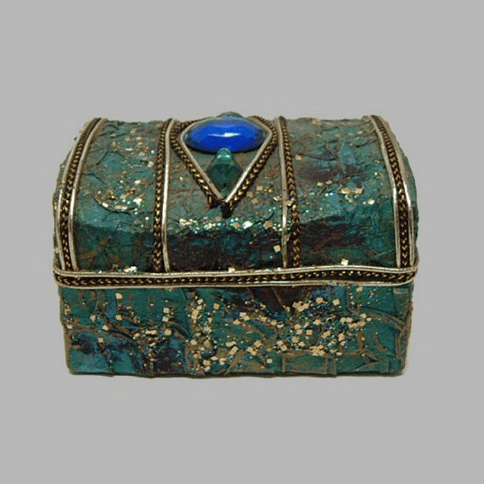 box for decoration or potpourri color green 10 x 7 cm H 6 cm