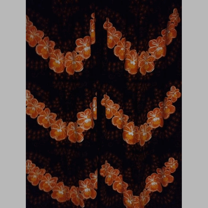 Retro stof design oranje bloemen met bruin - Kussen oranje en bruin ...